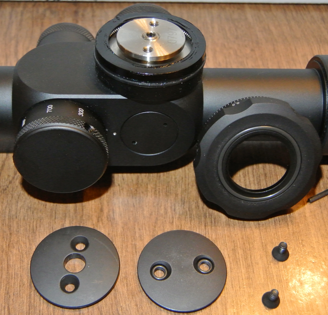 U.S. Optics LR-17 EREK elevation knob with outer sleeve removed.